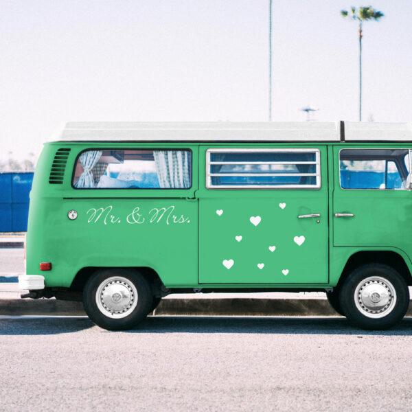 Autoaufkleber_Hochzeit_Mr_und_Mrs_Einzeiler_inkl_Herzen